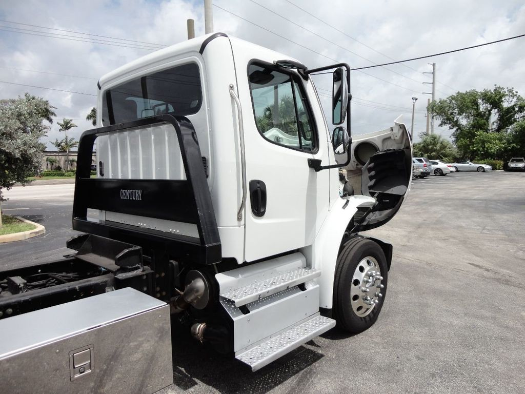2013 Freightliner BUSINESS CLASS M2 106 CENTURY 3 - CAR CARRIER.. 30FT ALUMINUM DECK. - 17720215 - 18