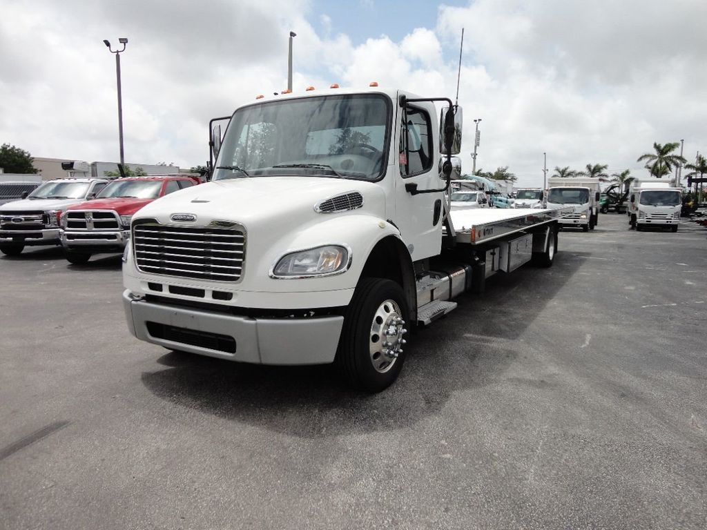 2013 Freightliner BUSINESS CLASS M2 106 CENTURY 3 - CAR CARRIER.. 30FT ALUMINUM DECK. - 17720215 - 1