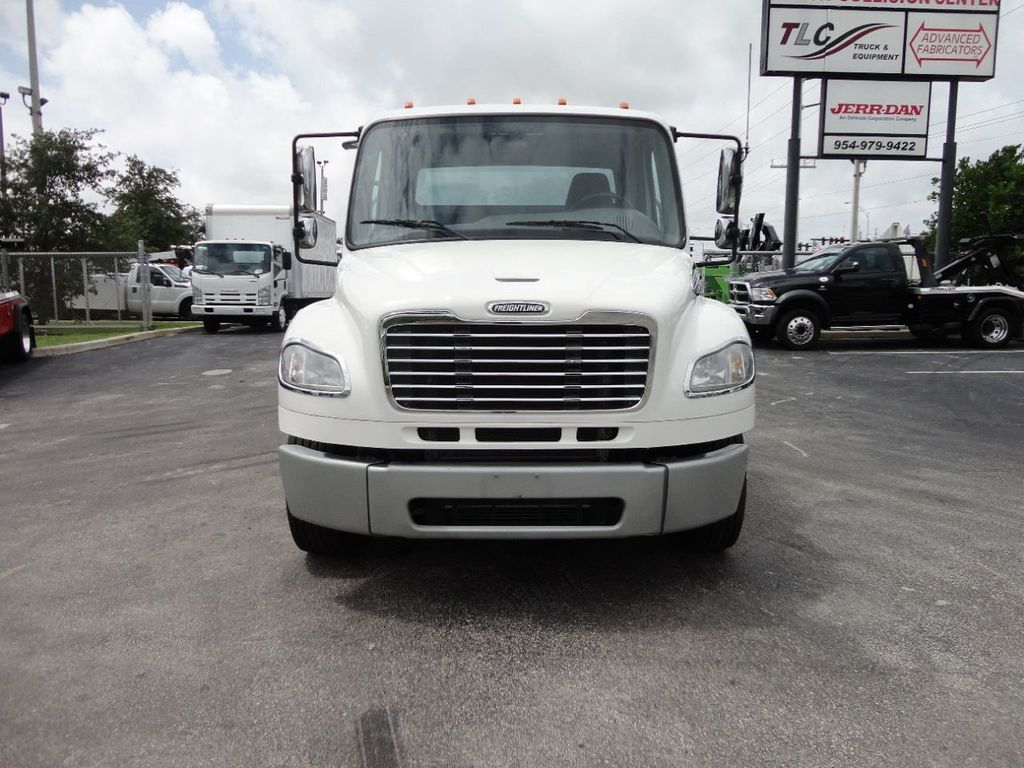 2013 Freightliner BUSINESS CLASS M2 106 CENTURY 3 - CAR CARRIER.. 30FT ALUMINUM DECK. - 17720215 - 2