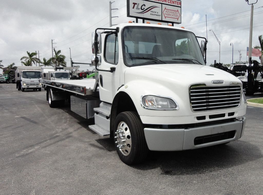 2013 Freightliner BUSINESS CLASS M2 106 CENTURY 3 - CAR CARRIER.. 30FT ALUMINUM DECK. - 17720215 - 3