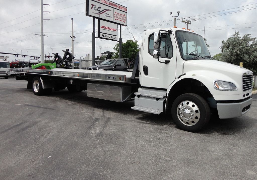2013 Freightliner BUSINESS CLASS M2 106 CENTURY 3 - CAR CARRIER.. 30FT ALUMINUM DECK. - 17720215 - 4