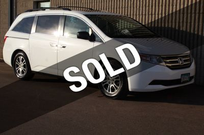 2013 Honda Odyssey EX-L W/ DVD LEATHER MOONROOF W/ NEW TIRES Van