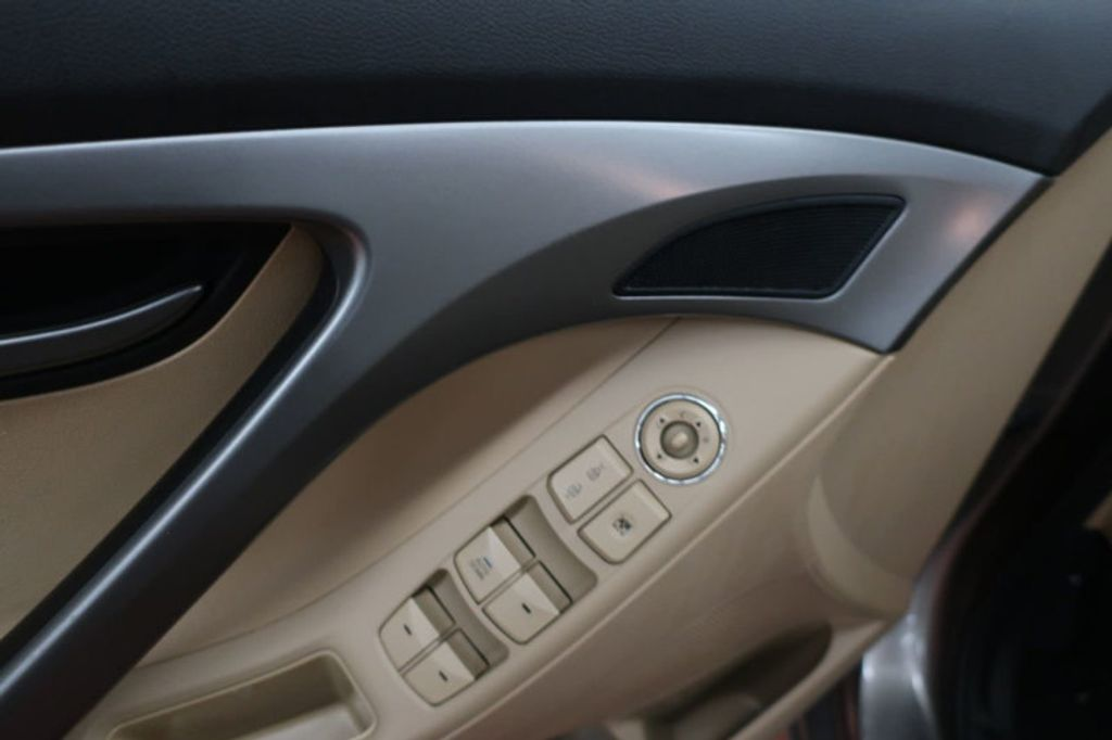 2013 Hyundai Elantra GLS; Limited; SE - 16994797 - 10