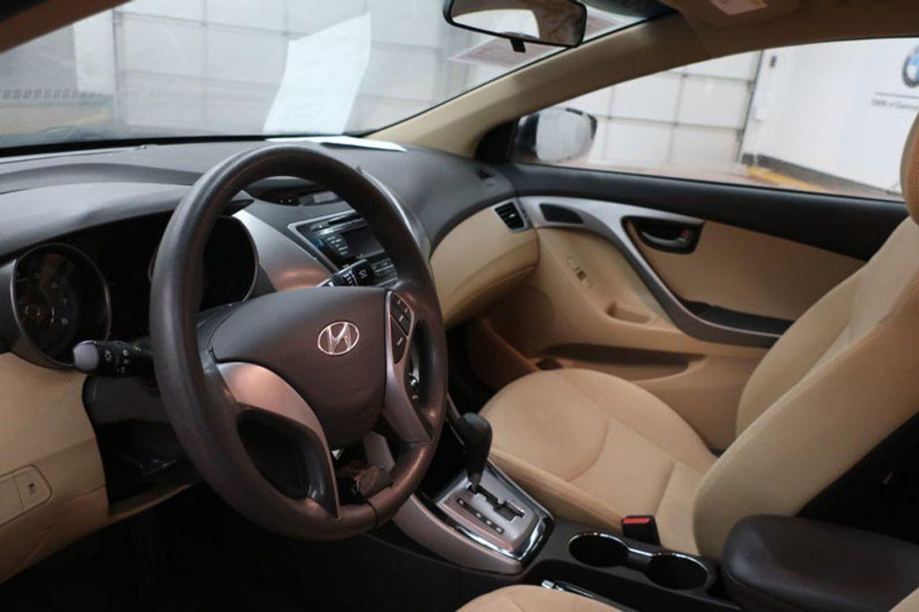 2013 Hyundai Elantra GLS; Limited; SE - 16994797 - 11