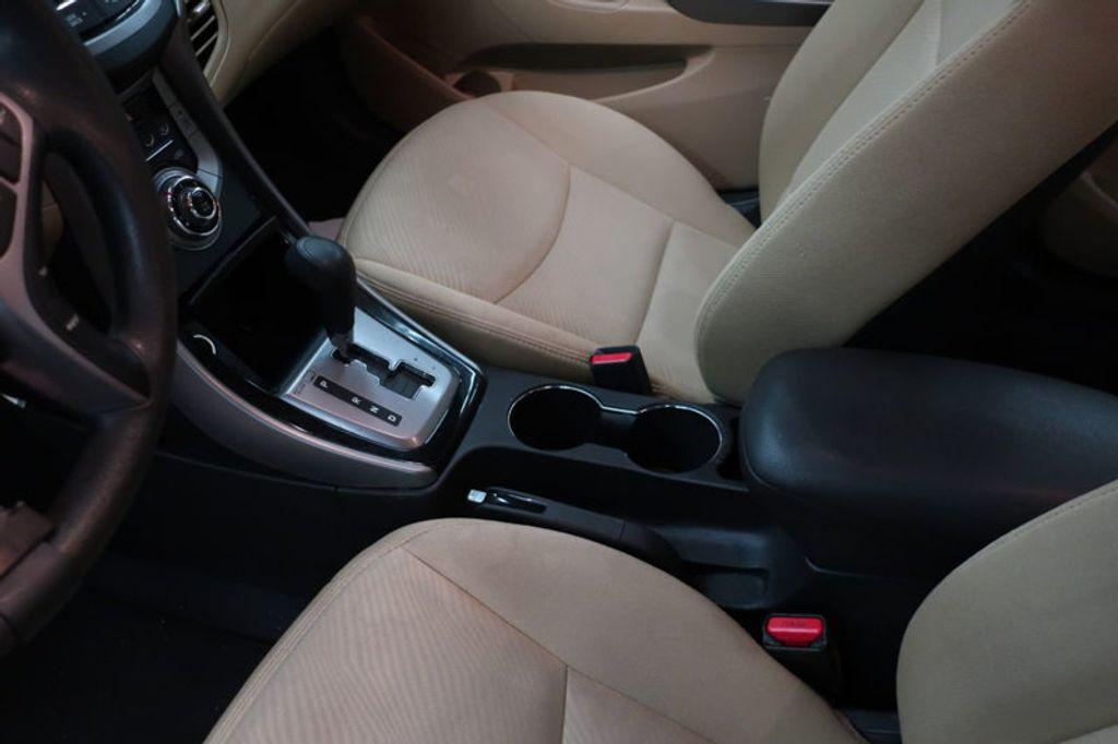 2013 Hyundai Elantra GLS; Limited; SE - 16994797 - 27