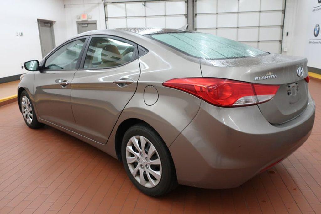 2013 Hyundai Elantra GLS; Limited; SE - 16994797 - 2