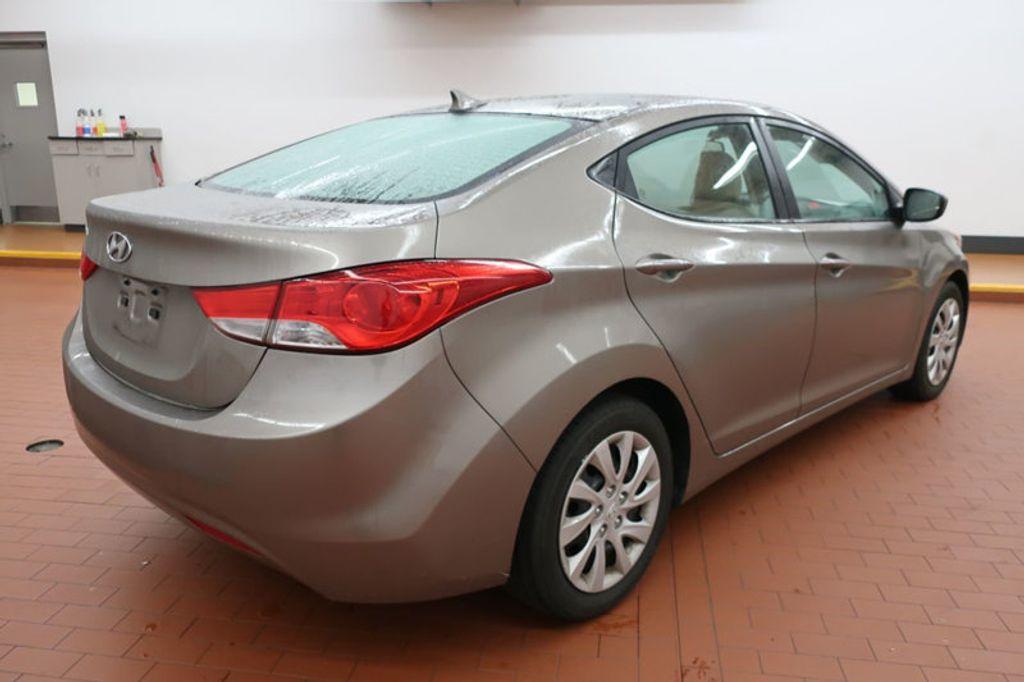 2013 Hyundai Elantra GLS; Limited; SE - 16994797 - 3
