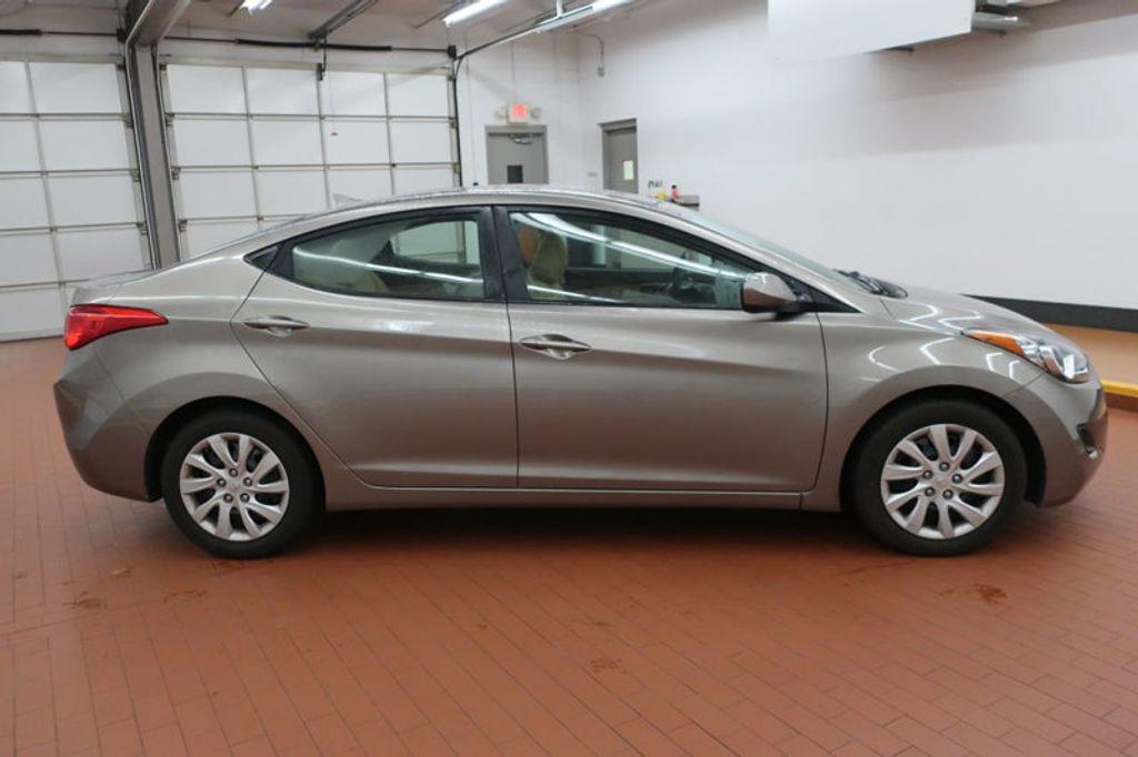 2013 Hyundai Elantra GLS; Limited; SE - 16994797 - 4