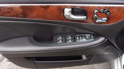 2013 Hyundai Equus 4dr Sedan Ultimate - Click to see full-size photo viewer