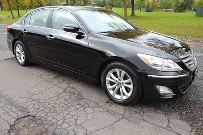 2013 Hyundai Genesis LUXURY SEDAN W/ NEW TIRES