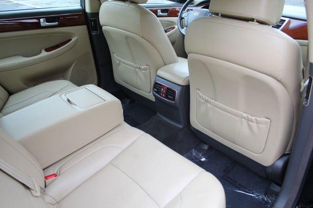 2013 Hyundai Genesis LUXURY SEDAN W/ NEW TIRES - Click to see full-size photo viewer