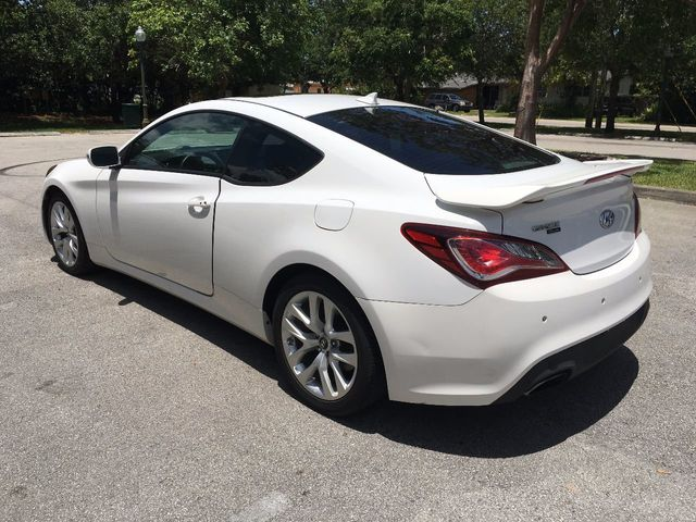 2013 Hyundai Genesis Coupe 2dr V6 3.8L Manual Track   Click To See Full