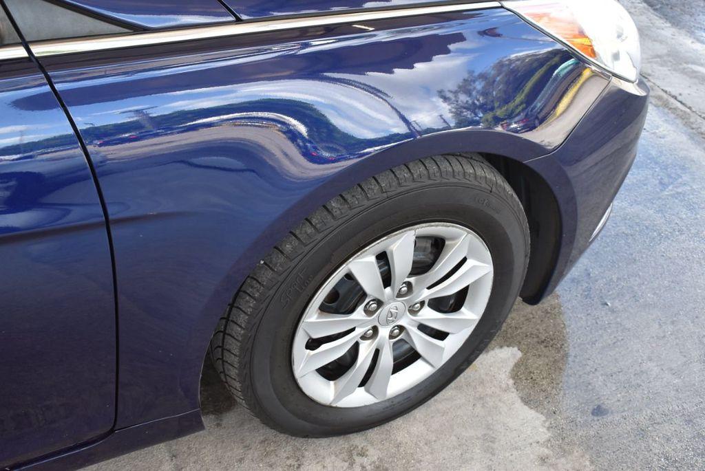 2013 Hyundai Sonata GLS - 18161905 - 9