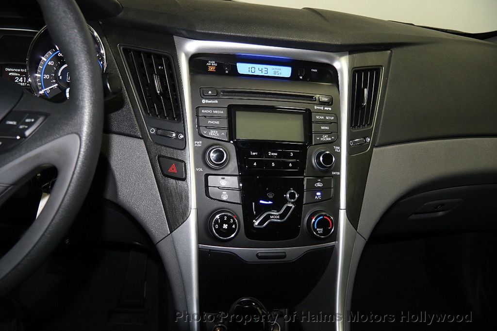 Elegant 2013 Hyundai Sonata GLS   16449701   17