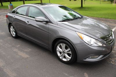 2013 Hyundai Sonata ONE OWNER LIMITED LEATHER MOONROOF Sedan