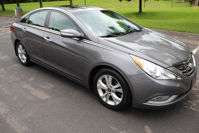 2013 Hyundai Sonata ONE OWNER LIMITED LEATHER MOONROOF