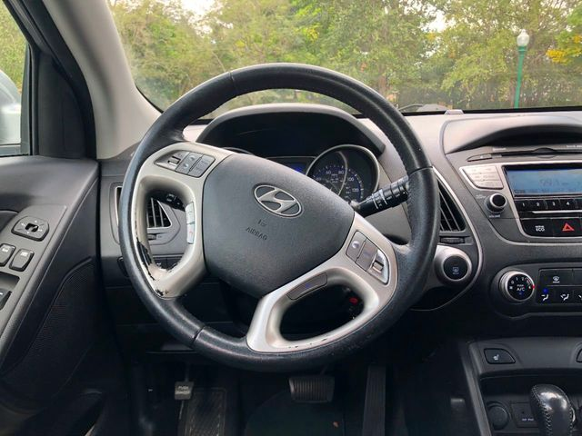 2013 Hyundai Tucson AWD 4dr Automatic GLS PZEV - Click to see full-size photo viewer