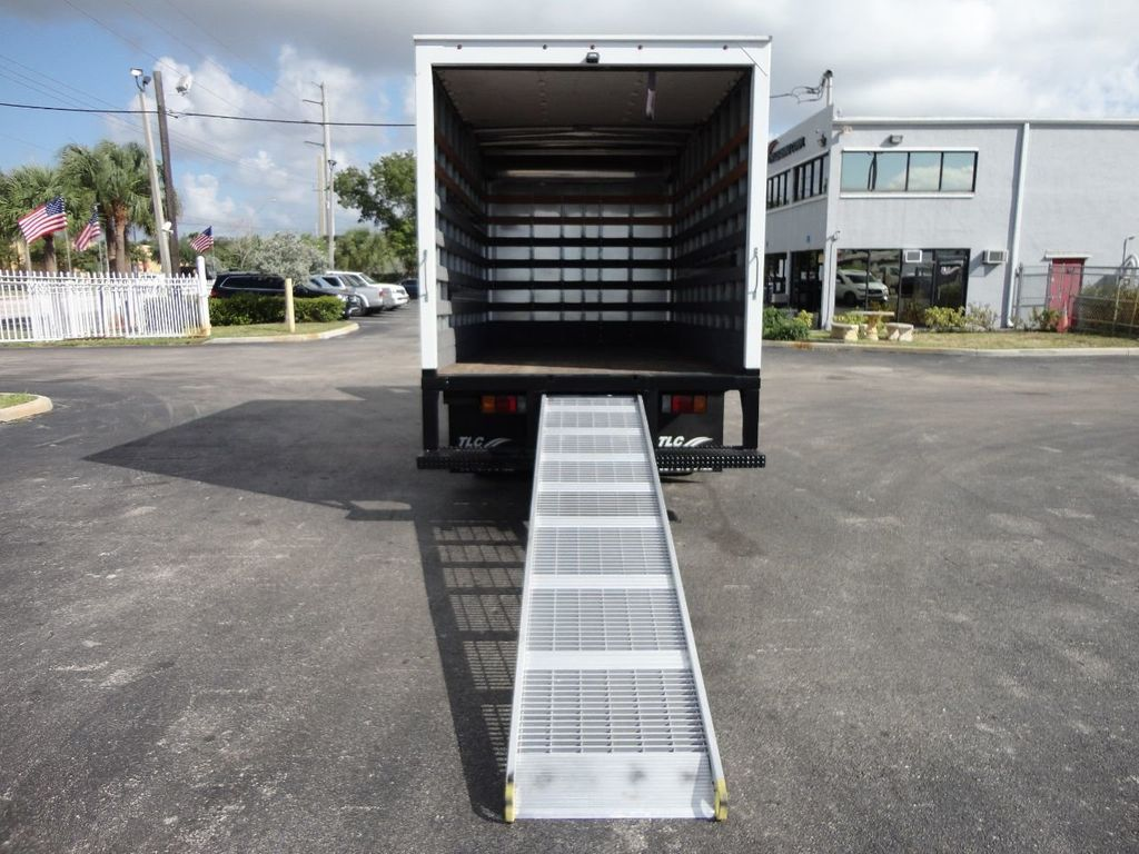 2013 Isuzu NPR 14FT DRY BOX TRUCK . CARGO TRUCK WITH RAMP - 18178081 - 21