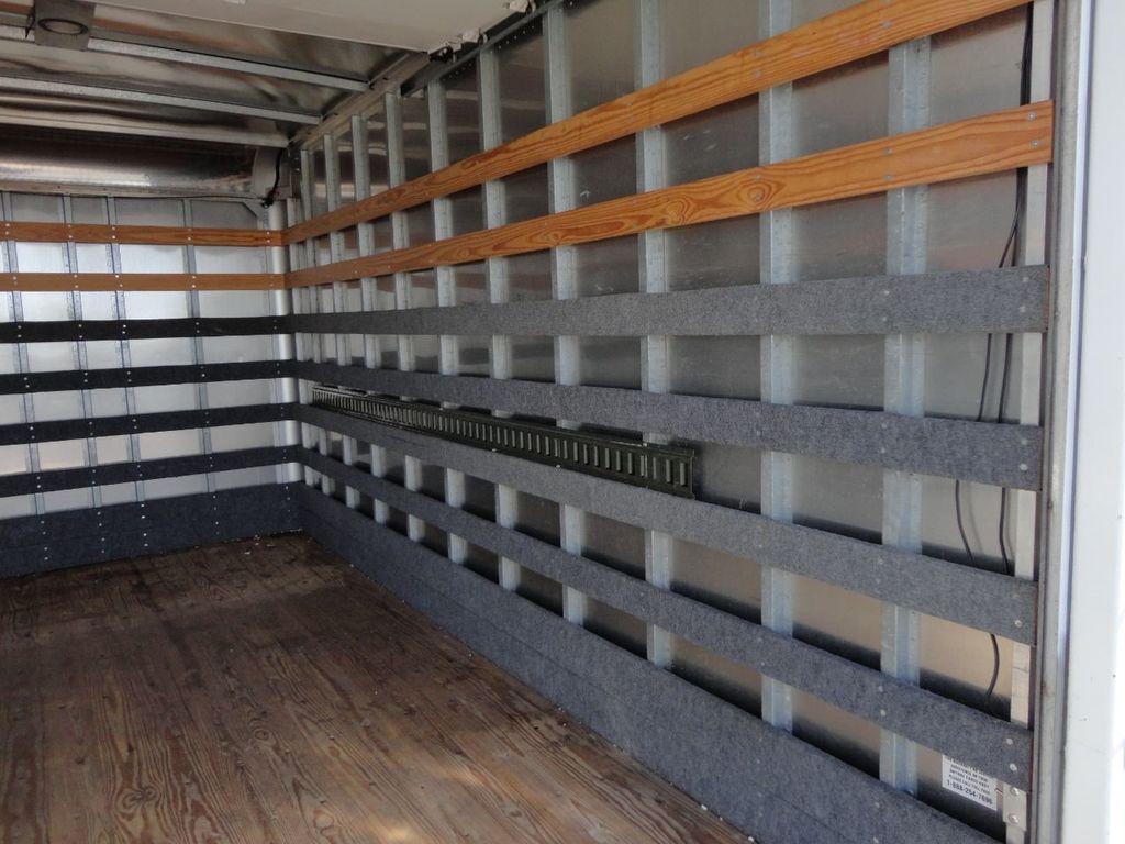 2013 Isuzu NPR 14FT DRY BOX TRUCK . CARGO TRUCK WITH RAMP - 18178081 - 24
