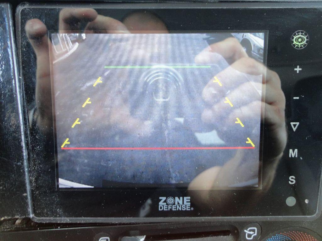 2013 Isuzu NPR 14FT DRY BOX TRUCK . CARGO TRUCK WITH RAMP - 18178081 - 42