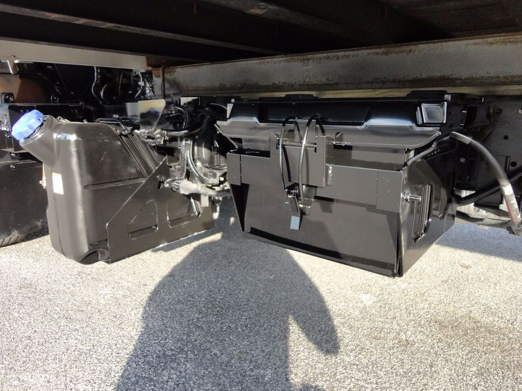 2013 Isuzu NPR HD 16FT DRY BOX..TUCK UNDER LIFTGATE BOX TRUCK - 17170473 - 18