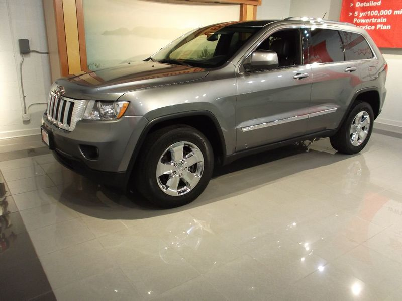 2013 Jeep Gr.Cherokee X 4WD X Model  NAVIGATION  Panoramic Moon Roof  FULL LEATHER SEATS - 18103768 - 1