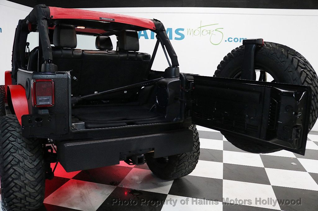 2013 Jeep Wrangler Unlimited 4WD 4dr Sahara - 17672235 - 19