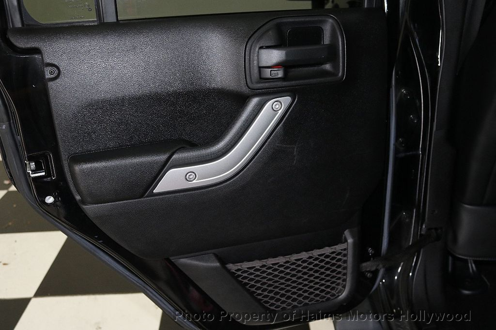 2013 Jeep Wrangler Unlimited 4WD 4dr Sahara - 17789598 - 24