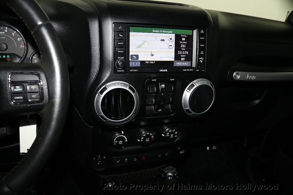 2013 Jeep Wrangler Unlimited 4WD 4dr Sahara - 17789598 - 34