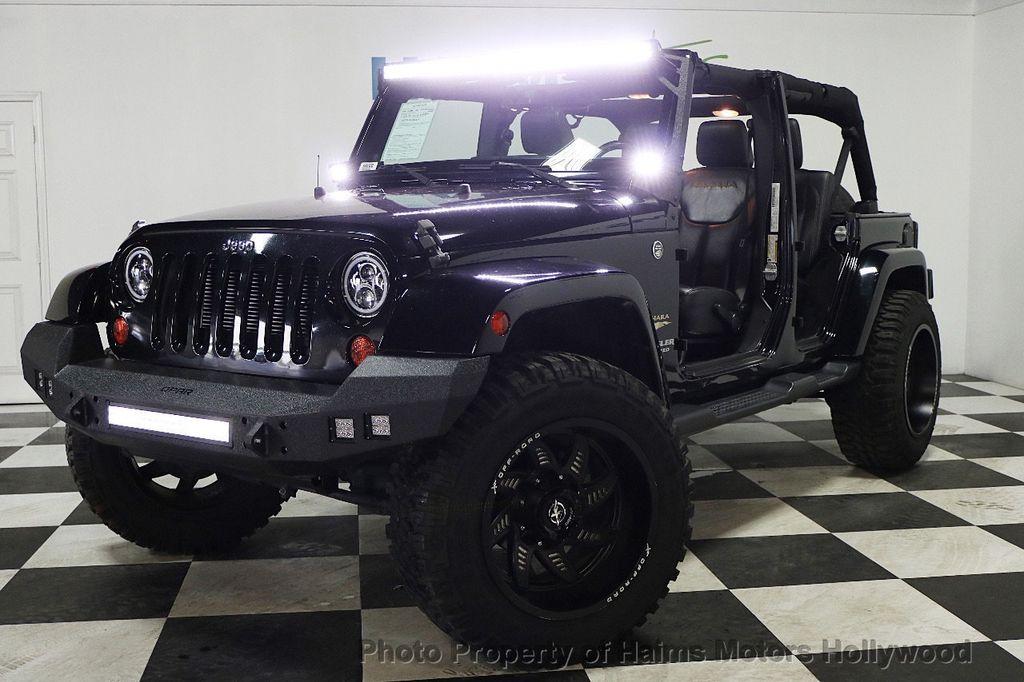 2013 Jeep Wrangler Unlimited 4WD 4dr Sahara - 17789598 - 3
