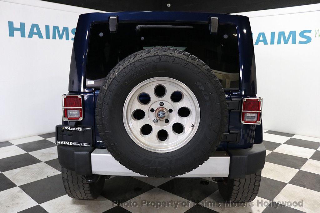 2013 Jeep Wrangler Unlimited 4WD 4dr Sahara - 18575378 - 13