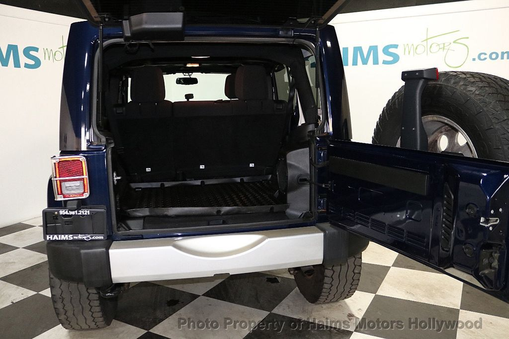 2013 Jeep Wrangler Unlimited 4WD 4dr Sahara - 18575378 - 18
