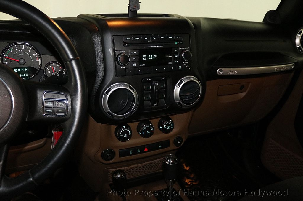 2013 Jeep Wrangler Unlimited 4WD 4dr Sahara - 18575378 - 28