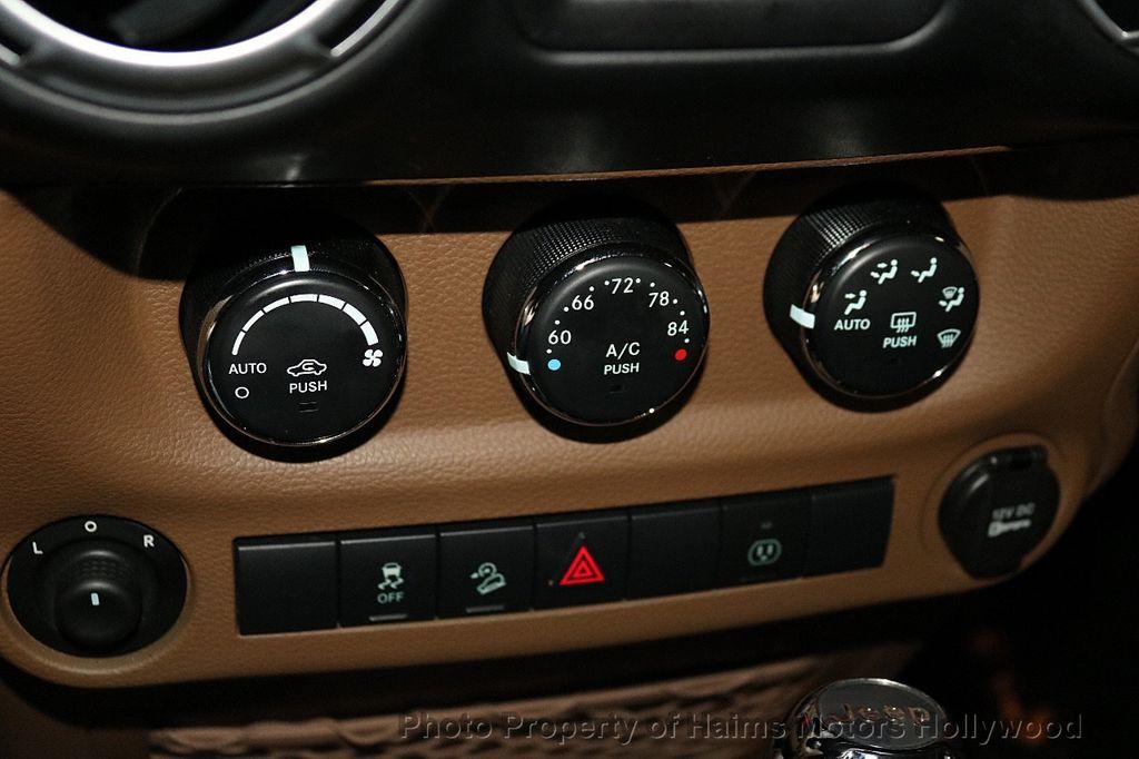 2013 Jeep Wrangler Unlimited 4WD 4dr Sahara - 18575378 - 30