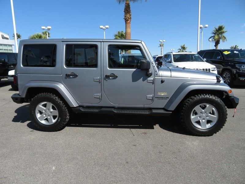 2013 Jeep Wrangler Unlimited 4WD 4dr Sahara - 17396055 - 3