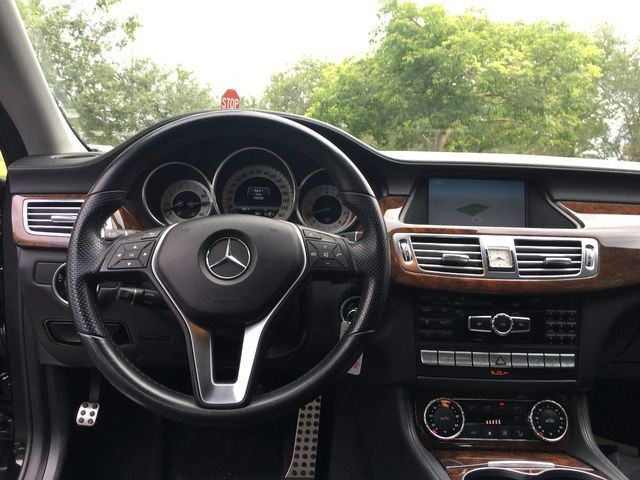 2013 Mercedes-Benz CLS  - Click to see full-size photo viewer