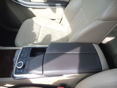 2013 Mercedes-Benz GL-Class 2013 Mercedes-Benz 4dr, 1-Owner, 75k, Rear Entertainment System! - Click to see full-size photo viewer