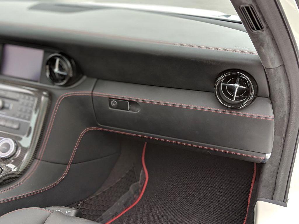 2013 Mercedes-Benz SLS AMG GT 2dr Coupe SLS AMG GT - 18415250 - 9