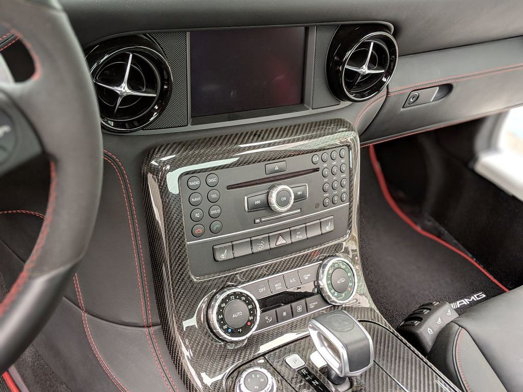 2013 Mercedes-Benz SLS AMG GT 2dr Coupe SLS AMG GT - 18415250 - 11
