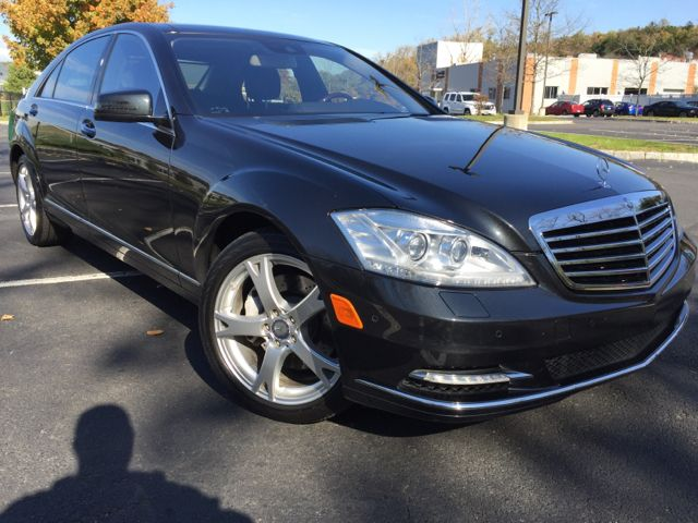 2013 Mercedes-Benz S-Class 4dr Sedan S550 4MATIC