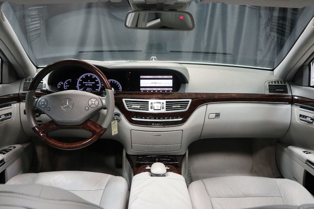 photo sedan mercedes of view class benz image s