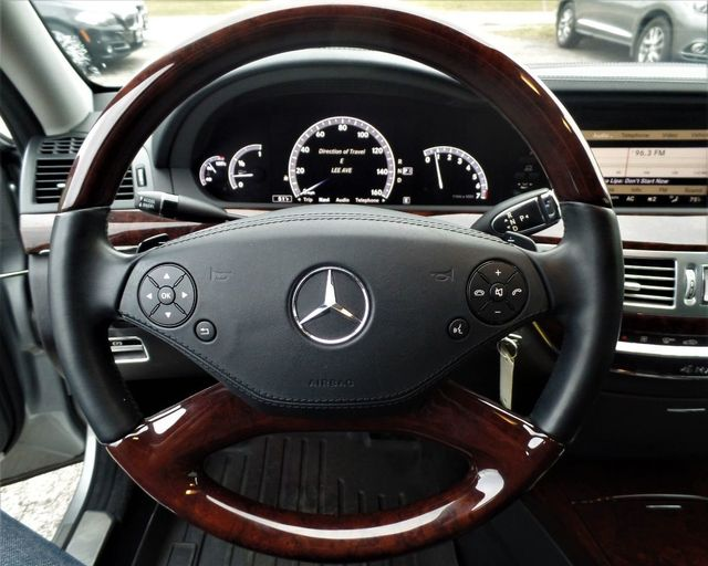2013 Mercedes-Benz S-Class S550 4MATIC - Click to see full-size photo viewer