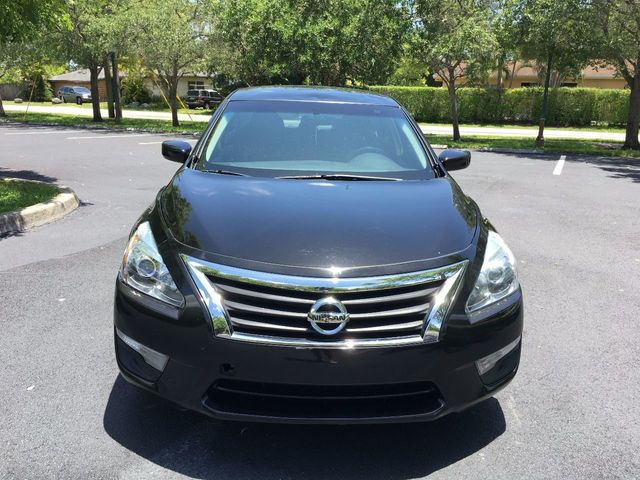 2013 Nissan Altima 4dr Sedan I4 2.5 S - Click to see full-size photo viewer