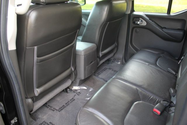 2013 Nissan Frontier PRO-X WITH LEATHER MOONROOF NAVIGATION   - Click to see full-size photo viewer
