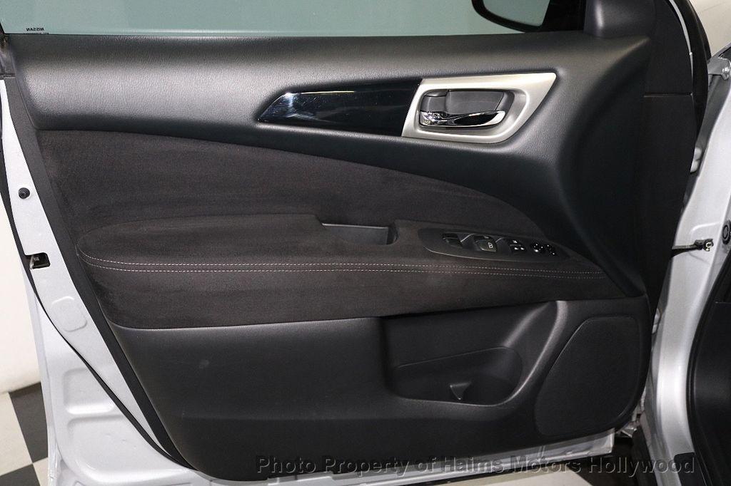 2013 Nissan Pathfinder 2WD 4dr SV - 18699713 - 9
