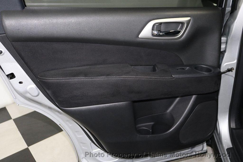 2013 Nissan Pathfinder 2WD 4dr SV - 18699713 - 10