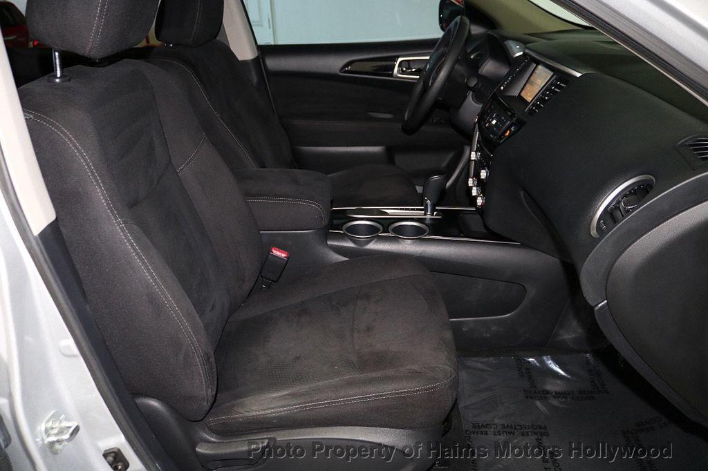 2013 Nissan Pathfinder 2WD 4dr SV - 18699713 - 13