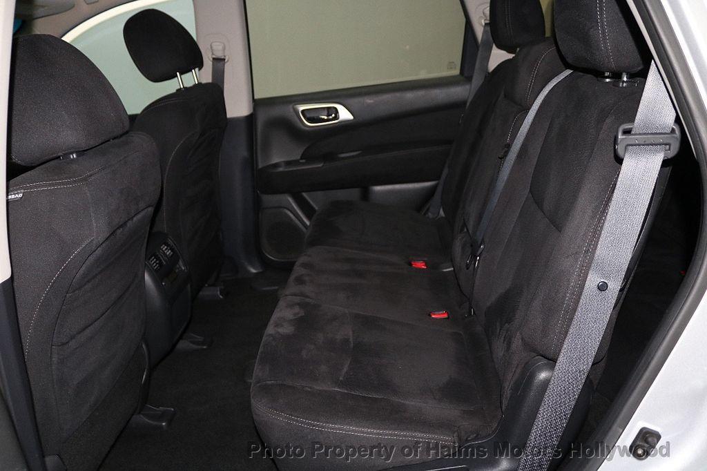 2013 Nissan Pathfinder 2WD 4dr SV - 18699713 - 16
