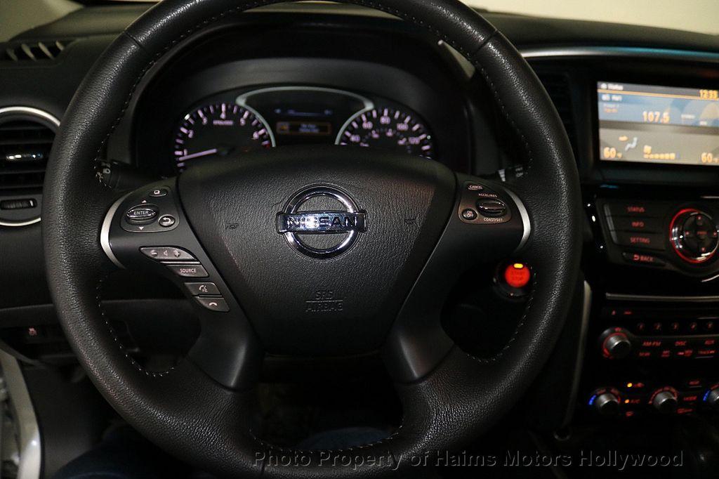 2013 Nissan Pathfinder 2WD 4dr SV - 18699713 - 29