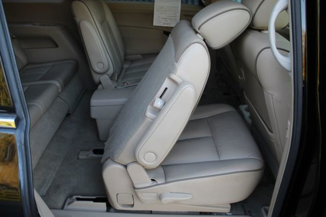 2013 Nissan Quest SL LEATHER MOONROOF DVD PLAYER - Click to see full-size photo viewer